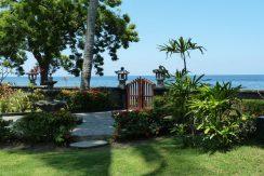 bali-beachfront-villa-for-sale-beach-access