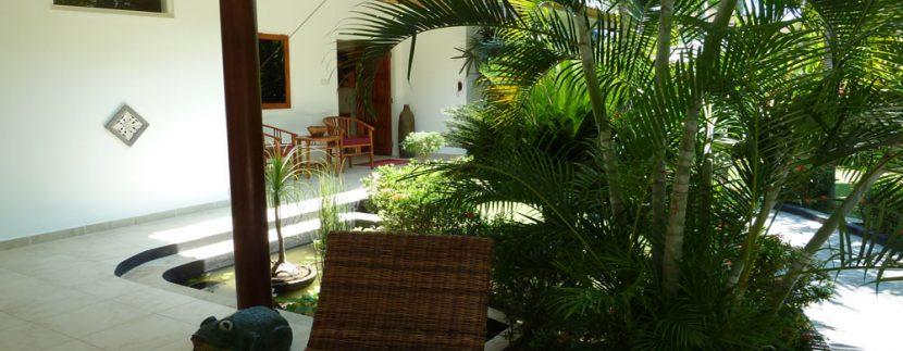 bali-beachfront-villa-for-sale-front-terrace