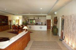bali-beachfront-villa-for-sale-indoor