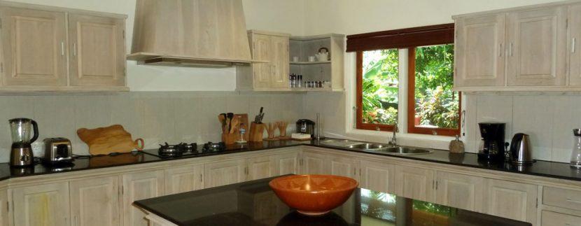 bali-beachfront-villa-for-sale-kitchen-equipment