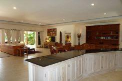 bali-beachfront-villa-for-sale-kitchen&dining