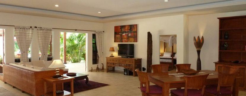 bali-beachfront-villa-for-sale-living-area