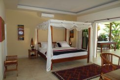 bali-beachfront-villa-for-sale-master-bedroom