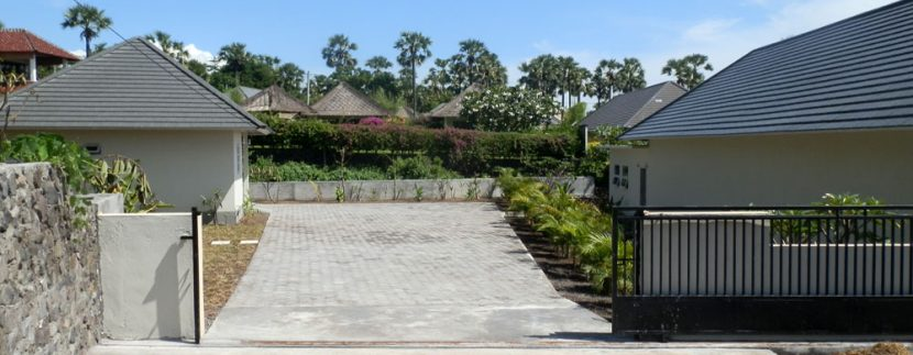east-bali-beachfront-villa-sale-entree-gate