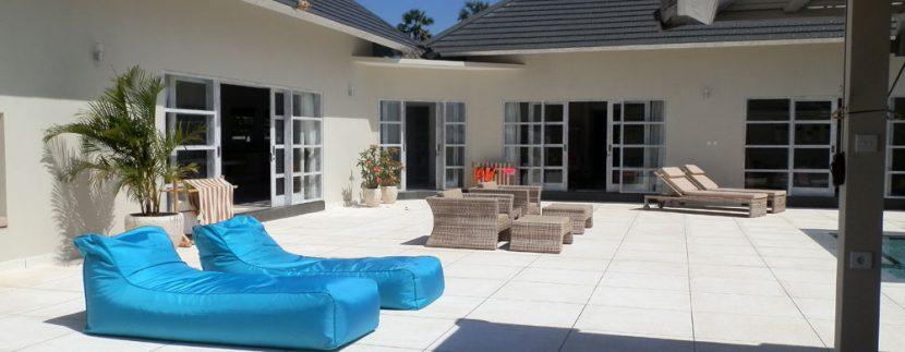 east-bali-beachfront-villa-sale-terrace