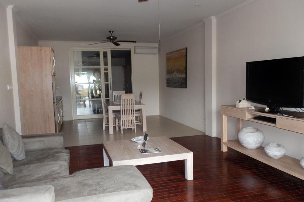 north-bali-lovina-beachfront-resort-apartment-for-sale-living