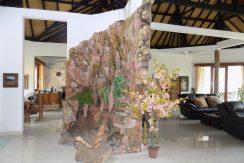 bali-lovina-beach-villa-sales-entree-indoor-waterfall