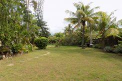 bali-lovina-beach-villa-sales-garden