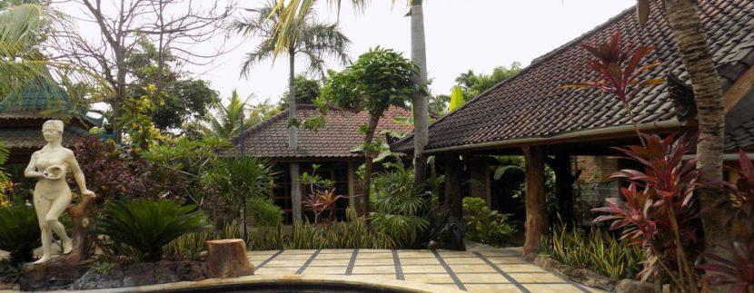 bali-lovina-beach-villa-sales-pool-bar-terrace