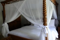 bali-sea-front-villa-for-sale-bed