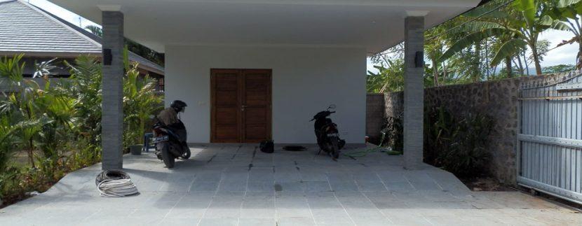 bali-sea-front-villa-for-sale-carport