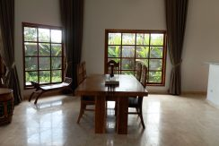 bali-sea-front-villa-for-sale-dining