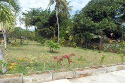 bali-sea-front-villa-for-sale-garden
