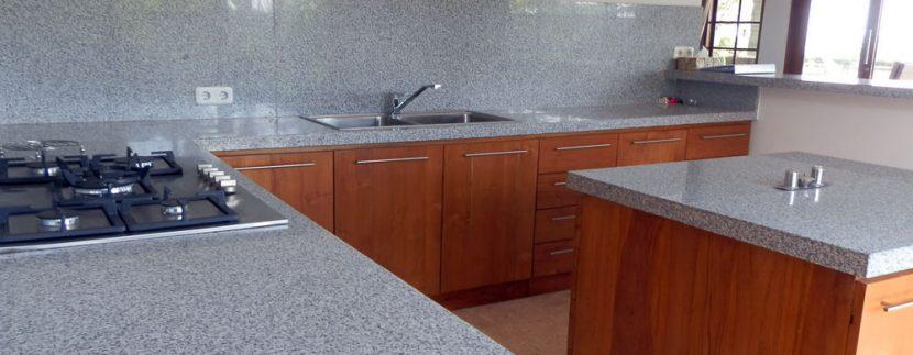 bali-sea-front-villa-for-sale-kitchen