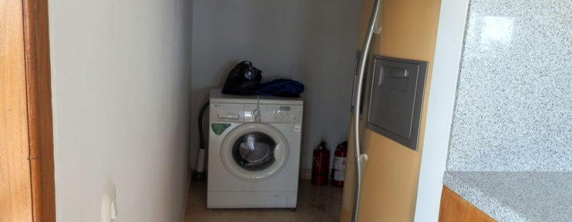 bali-sea-front-villa-for-sale-laundry-room