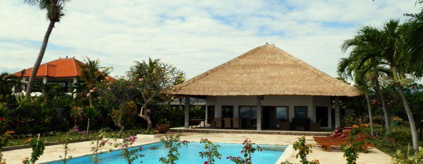 bali-sea-front-villa-for-sale-pool