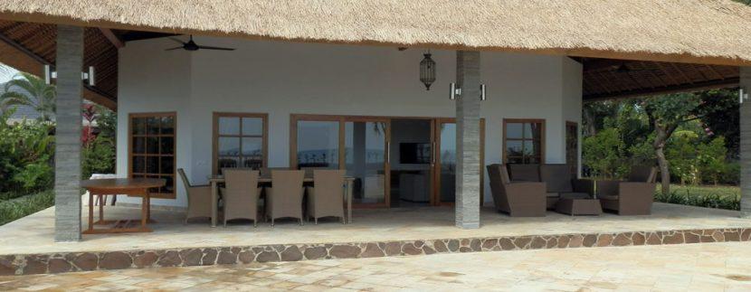 bali-sea-front-villa-for-sale-terrace