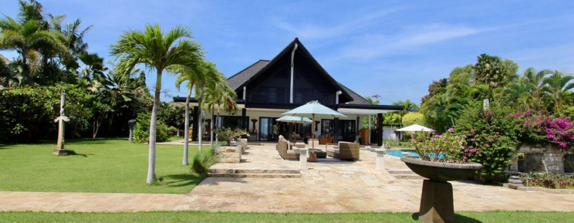north-bali-villa-for-rent-belvedere-front