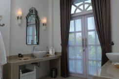 lovina-hillside-villa-for-sale-bathroom-3