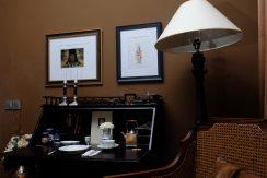 lovina-hillside-villa-for-sale-desk-1