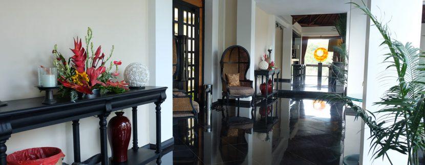lovina-hillside-villa-for-sale-hallway-decoration-2