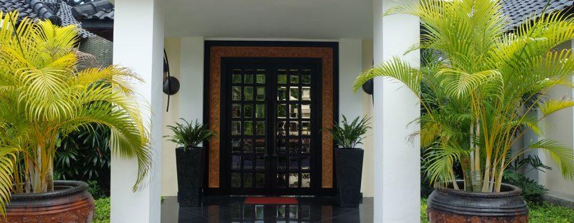 lovina-hillside-villa-for-sale-house-entree-door-1