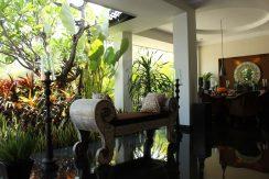 lovina-hillside-villa-for-sale-indoor-decoration-8