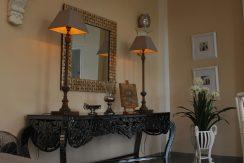 lovina-hillside-villa-for-sale-indoor-decoration-9