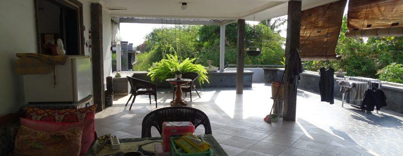 bali-lovina-town-house-for-sale-balcony