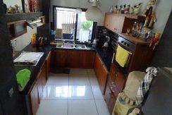 bali-lovina-town-house-for-sale-kitchen
