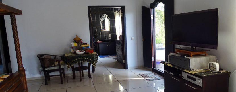 bali-lovina-town-house-for-sale-master-bedroom