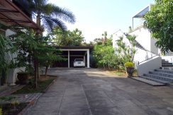 bali-lovina-town-house-for-sale-yard