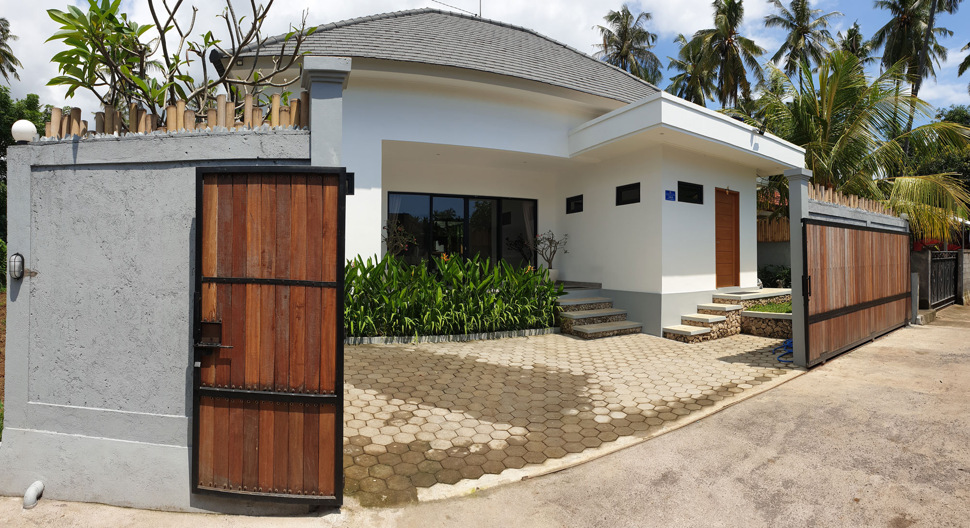 bali-lovina-villa-for-sale-gate