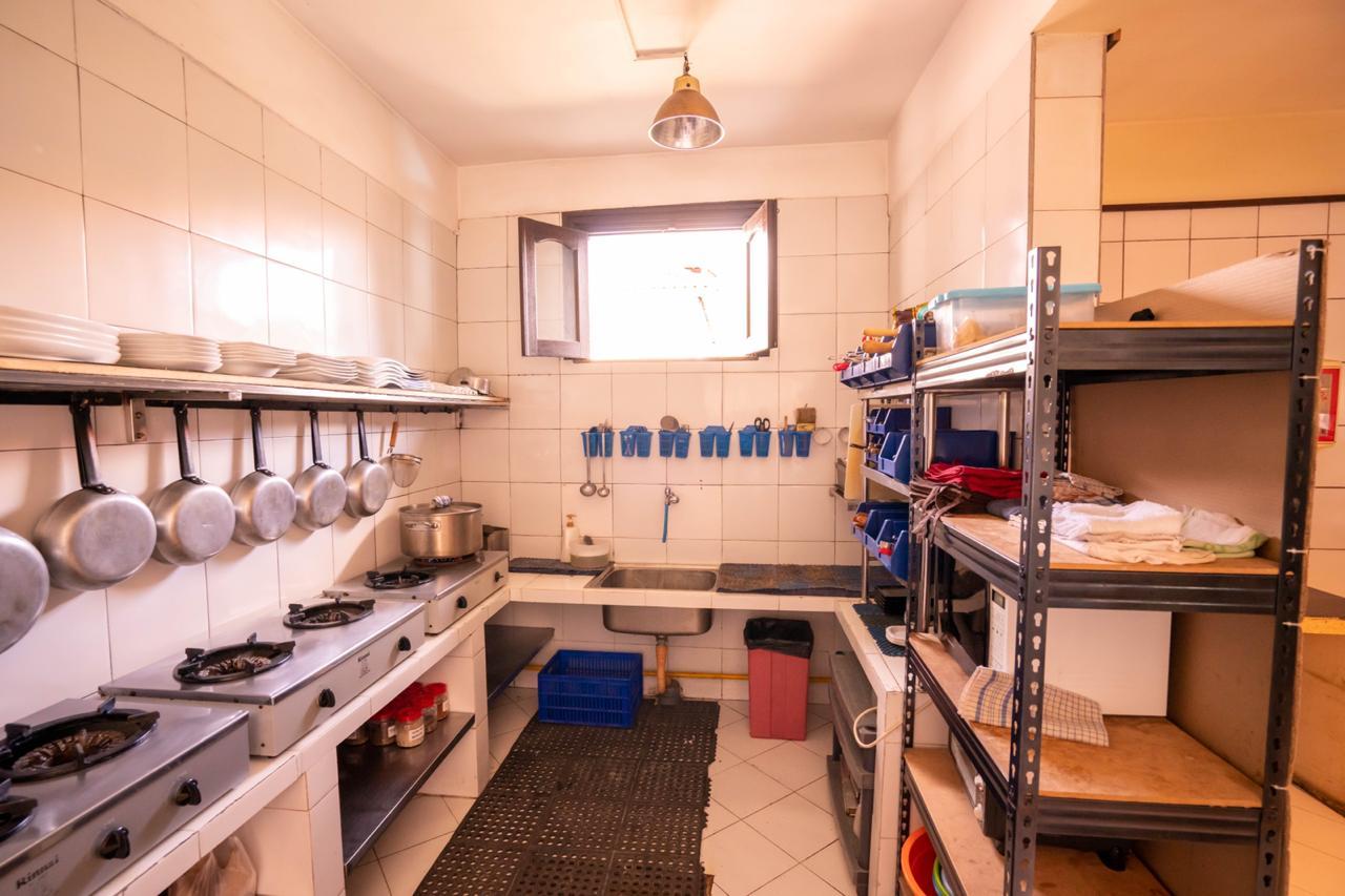 restaurant-kitchen-1