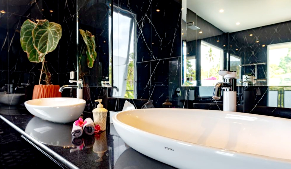 lovina-villa-sale-bath