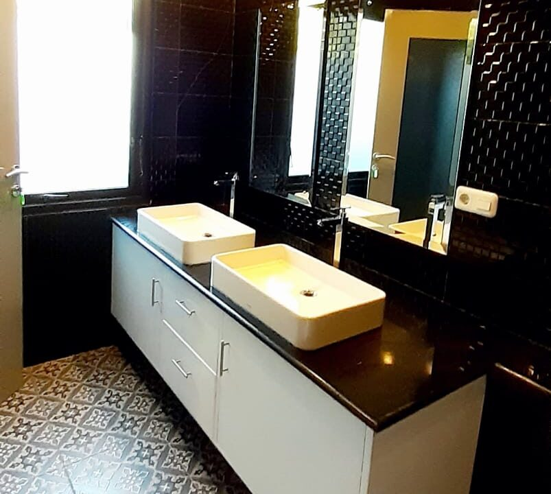 lovina-villa-sale-guest-bathroom