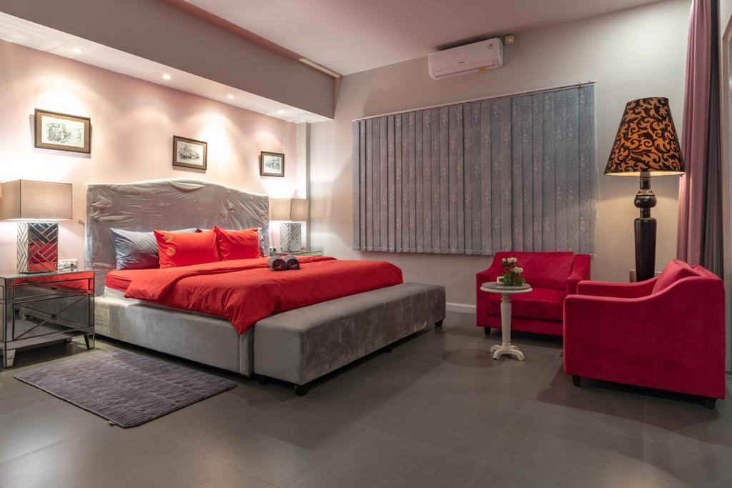 lovina-villa-sale-master-bedroom