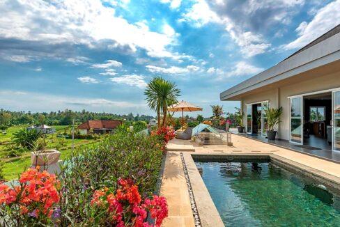 lovina-villa-sale-pool