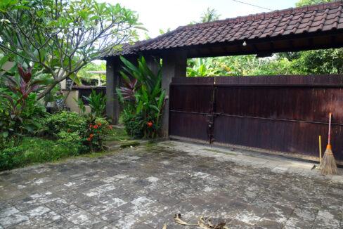 north-bali-lovina-house-sale-yard